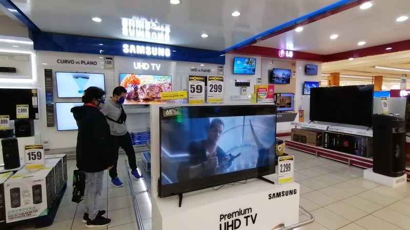 El Gobierno peruano permitirá la operación de todas lasactividades económicas los domingos