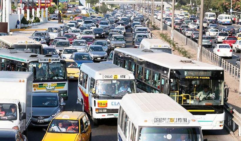 Anuncian paro indefinido de transporte urbano Lima-Callao