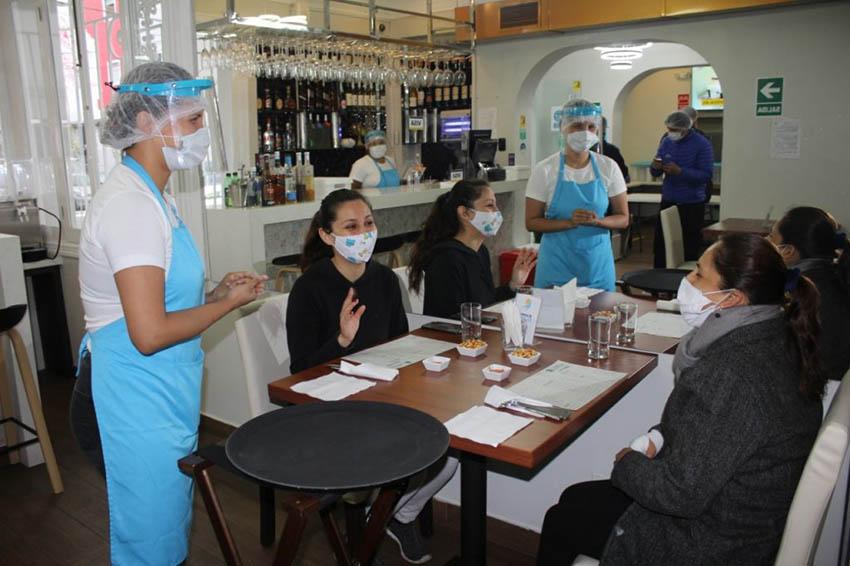 """Martín Vizcarra considera que restaurantes """"pueden ser foco de contagio de COVID-19"""""""
