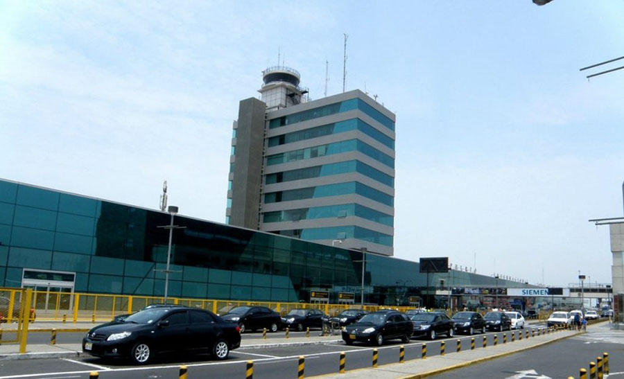 Los Portales Estacionamientos y Lima Airport Partners presentaron el nuevo parqueo inteligente en el Aeropuerto Internacional Jorge Chávez.