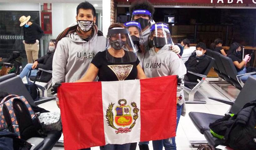 Los peruanos residentes en el extranjero representan cerca del 10% de la población peruana (32 millones 626 mil habitantes) al 2020.