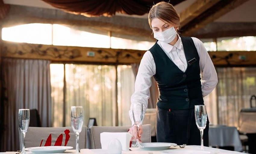 La atención en restaurantes será con el aforo al 40% y los horarios restringidos,