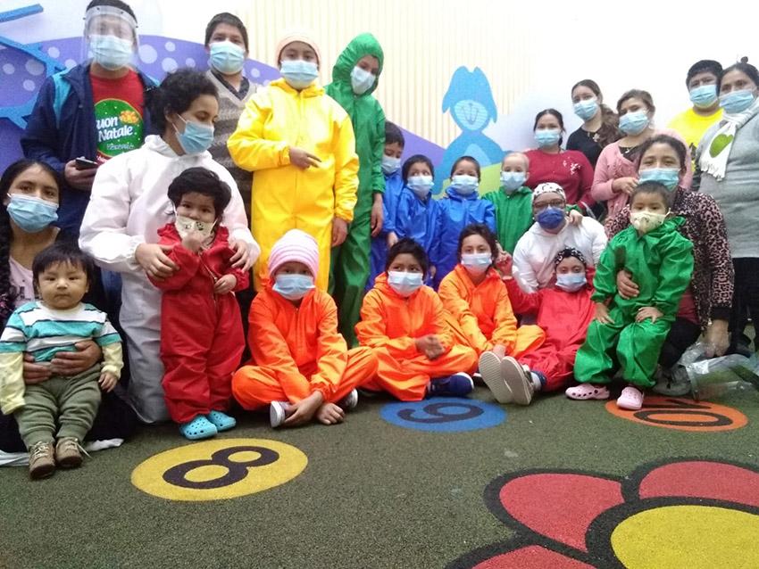 LaASOCIACIÓN DE VOLUNTARIAS POR LOS NIÑOS CON CÁNCER -MAGIA continuó apoyando a los niños enfermos