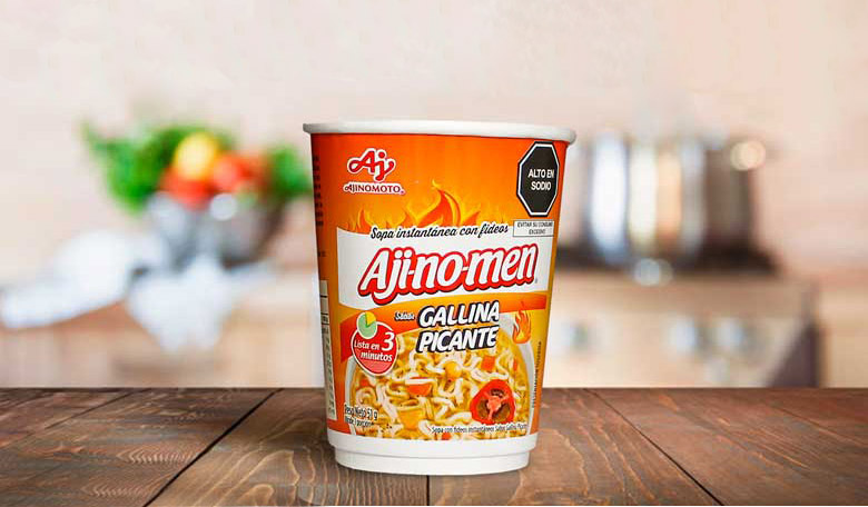 Aji-no-men Vaso sabor Gallina Picante