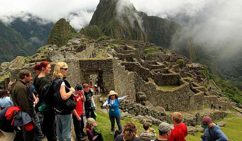 Alcalde de Machu Picchu descarta que se pueda visitar la maravilla del mundo por no estar preparados