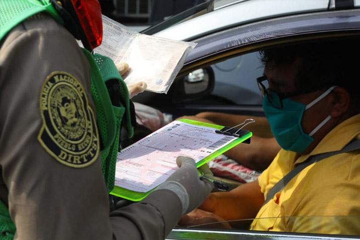 La Policía Nacional del Perú aplicará multas de S/ 6,450 a quienes transiten con su vehículo los domingos