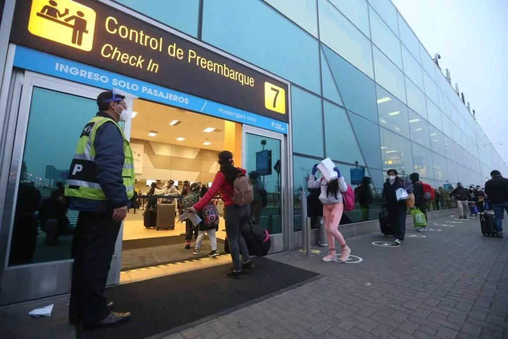 Son 36 destinos internacionales autorizados para viajar desde Perú