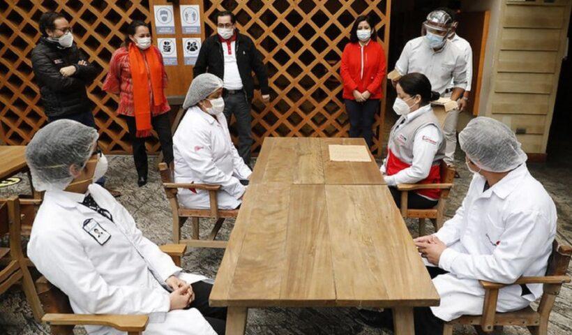La fase 4 incluiría la ampliación de aforos en restaurantes