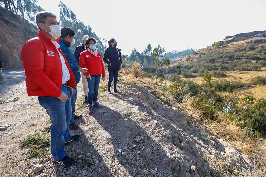 El ministro de Cultura, visitó la zona donde se produjo un incendio forestal y comprobó que el patrimonio arqueológico no sufrió ningún daño,