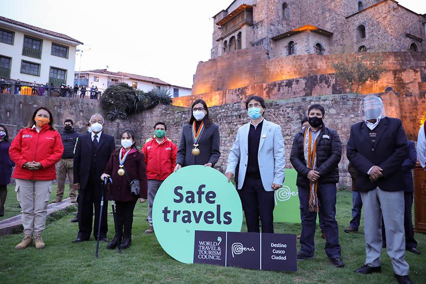 Titular del Mincetur entregó Sello Safe Travels a la ciudad de Cusco