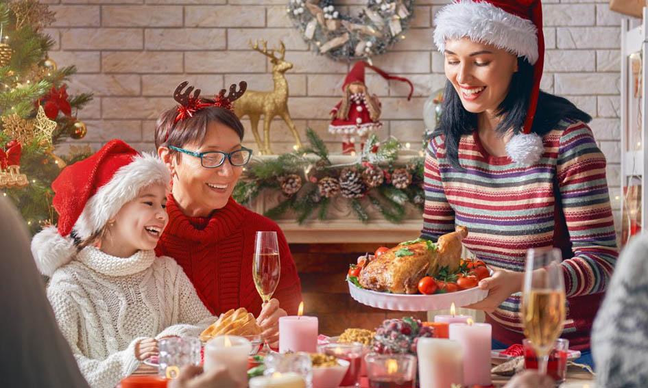 Las reuniones familiares durante Navidad y Año Nuevo quedan prohibidas