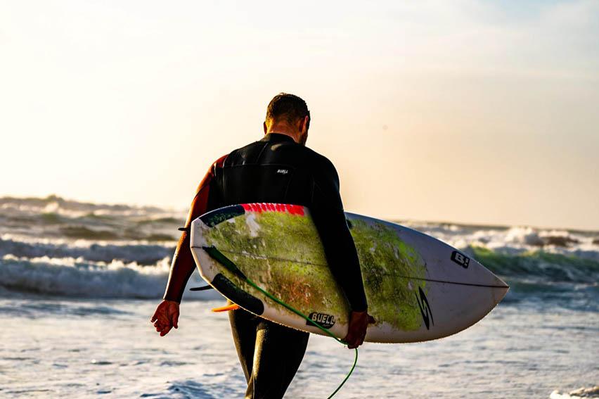 Restaurantes y academias de surf en la Costa Verde registran pérdidas tras cierre de playas