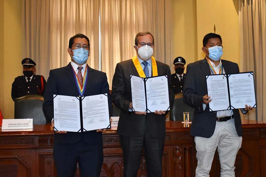 distritos de Miraflores, Machu Picchu y Ollantaytambo firmaron convenio de hermandad