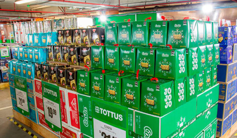 Tottus instala carpas como puntos de venta por campaña navideña
