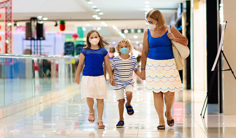 Autorizan el ingreso de menores de 12 años a los centros comerciales