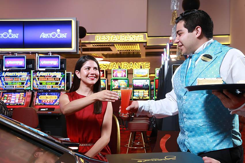 Casinos no podrán brindar alimentos ni bebidas a clientes, según protocolo sanitario sectorial
