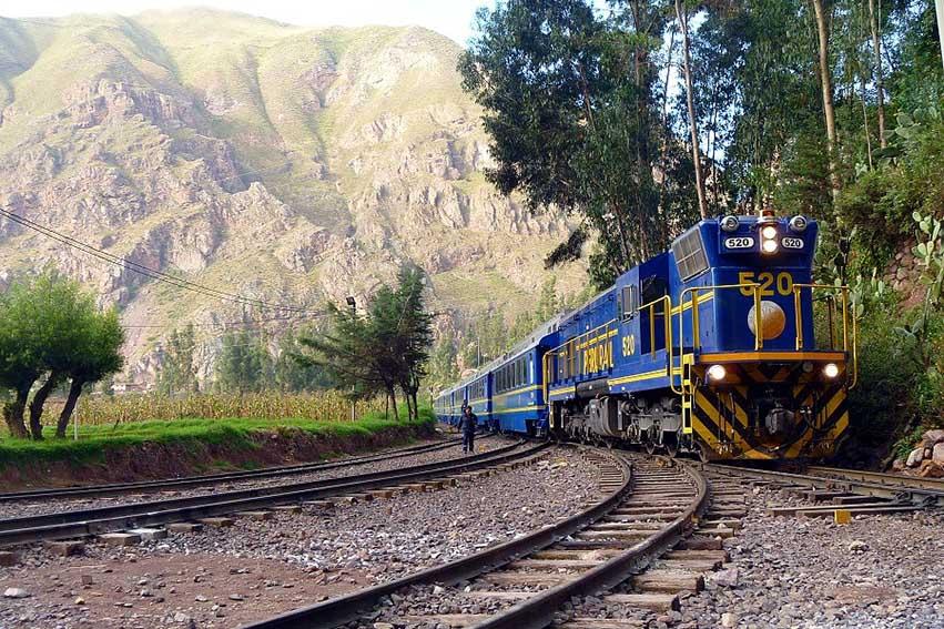 El MTCamplío el aforo de los trenes de pasajeros a nivel nacional de 50% al 100%, de acuerdo a una resolución publicada este lunes