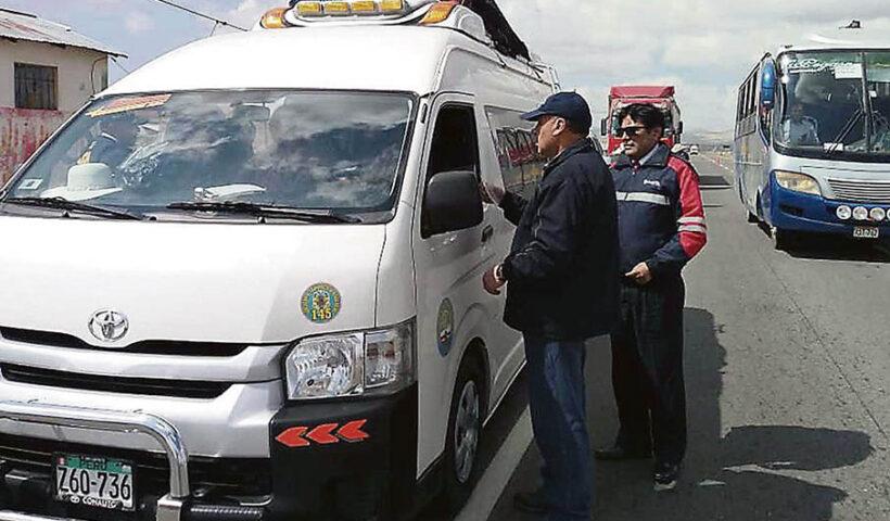 Ejecutivo presentará demanda ante TC contra norma que legaliza transporte interprovincial en taxis colectivos