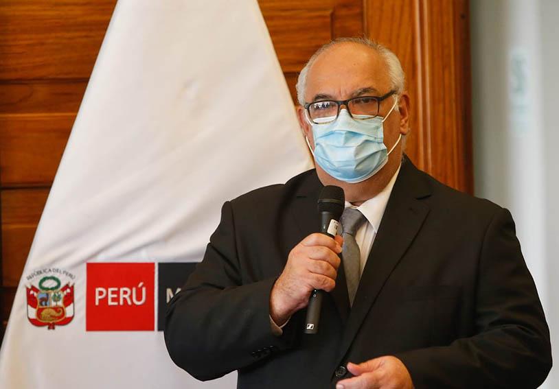 Ejecutivo no descarta restringir vuelos procedentes de Chile u otros países por nueva variante