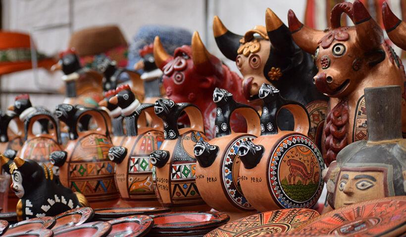 Qhatu Peruvian Handicrafts y Parque Arauco impulsan los tejidos tradicionales haciendo uso de la tecnología