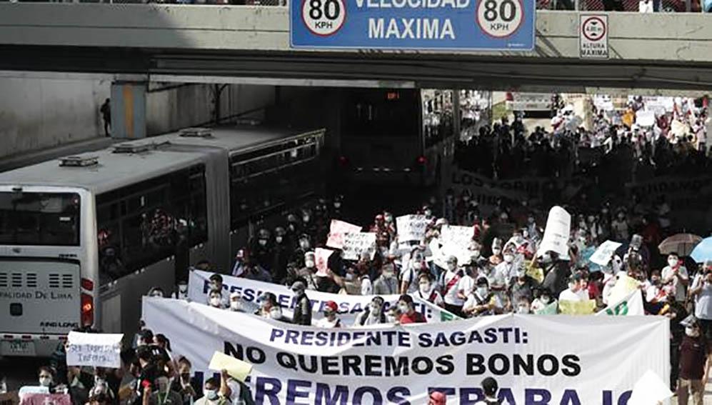 Trabajadores de casinos y tragamonedas bloquearon el carril exclusivo del Metropolitano