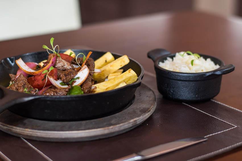 "La ""Caldereta Brava"" es la estrella gastronómica del Hotel Novotel Lima"