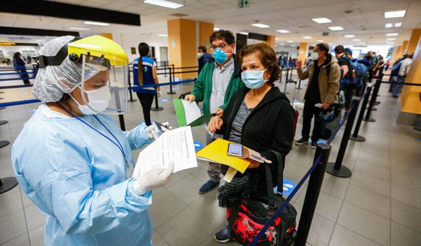 A partir el próximo lunes 20 solo se permitirá el ingreso de viajeros que tengan las dos vacunas